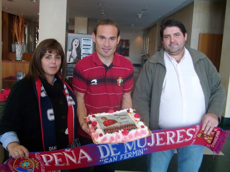 Con la Peña MIlhojas en su etapa con Osasuna.