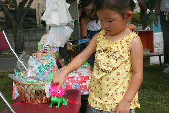 Photo: くじ引き、駄菓子、おもちゃコーナーのぴこっとさん
