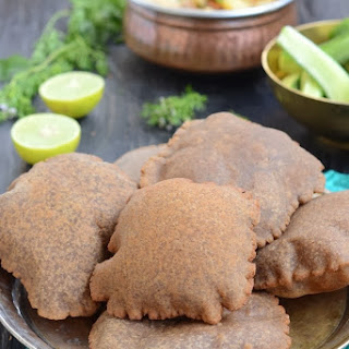 Singhade ki Poori / Puffed Bread made with Water Chestnut Flour