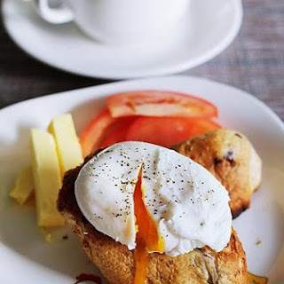 Poached Egg With Butter Toast