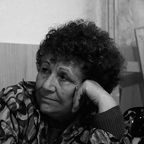 deep glance by Berkan Felek - Black & White Portraits & People