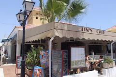 Visiter Lin's Café Bar