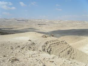 Photo: au passage d'un nuage dans le désert du Negev ...