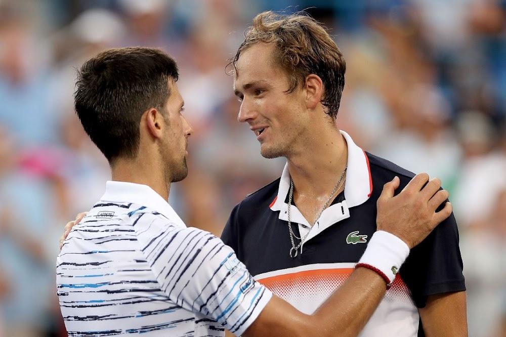 Die oorwonne Djokovic het lof vir die Medvedev-kwik