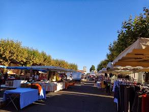 Photo: Petit tour de marché