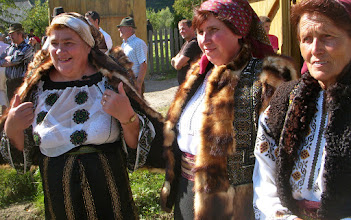 Photo: Moldova - Trajes típicos