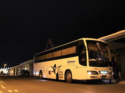 西鉄高速バス「桜島号」 4012 鹿児島本港高速船ターミナルにて_03