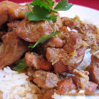 Fried Chicken with Lemongrass and Chili (Gà Xào Sả Ớt)