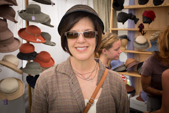 Photo: First order of business? Hat shopping, of course!
