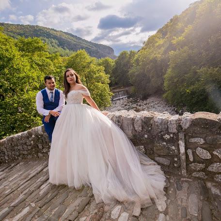 Wedding photographer Georgios Muratidis (MOURATIDIS). Photo of 13.12.2017