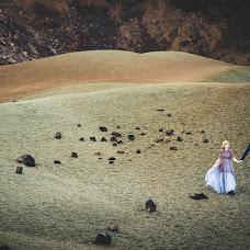 Wedding photographer Dariush Tomashevich (fotodart). Photo of 22.12.2015
