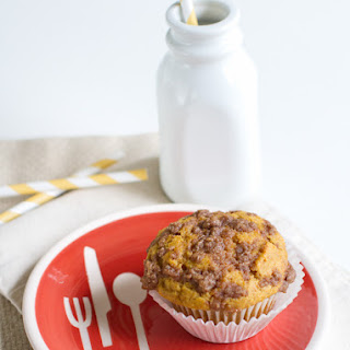 Whole Wheat Pumpkin Streusel Muffins