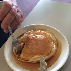 Good ol pancakes- yummy!