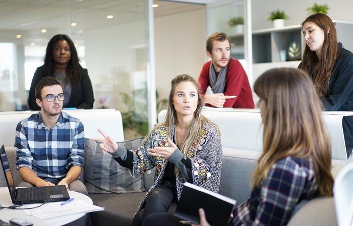 Todos los individuos de la organización son parte de la planeación desde el comienzo del proceso.