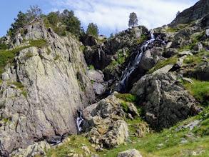 Photo: Ormai nei pressi del Rif Enric Pujol, tra marcite e cascate...