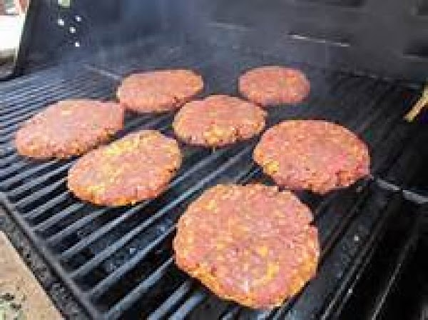 Shape the meat into six 1/3 lb patties.