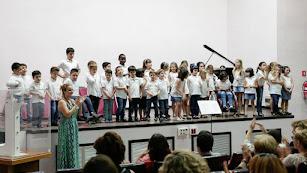Alumnado de Aula Creativa de Música en una de sus actuaciones.