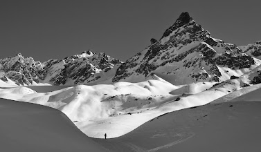 Photo: Skinning up towards Hintere Jamspitze