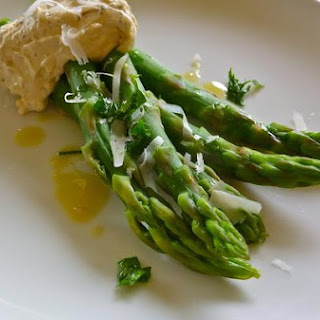 Asparagus With Black Pepper-Pecorino Zabaglione