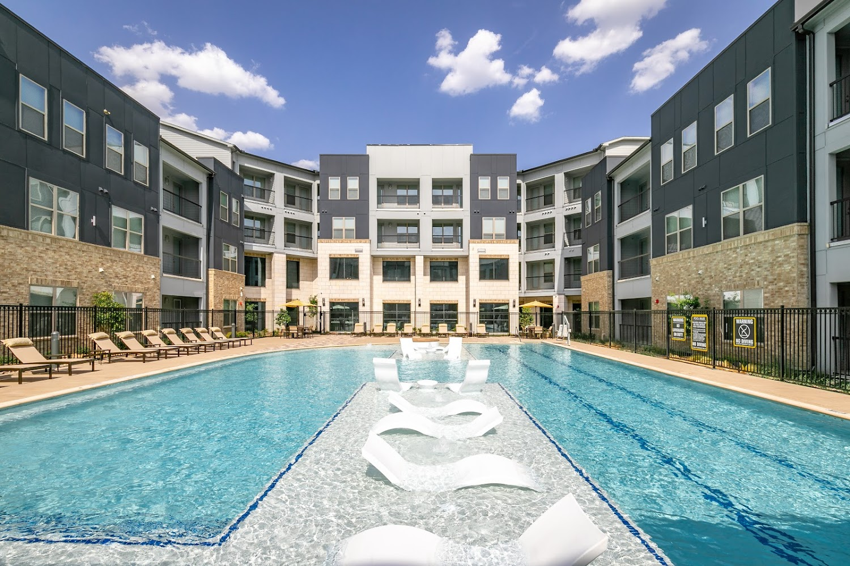 Vera watters creek apartments in allen texas davis development for One bedroom apartments allen tx