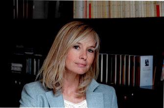 Photo: Ex-comédienne, Anaïs Jeanneret prouve une nouvelle fois son talent de romancière dans « La Solitude des soirs d'été », à découvrir aux éditions Albin Michel.