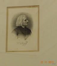 Photo: Lithografie van Franz Liszt, met een originele handtekening van Liszt zelf. Er zijn van deze litho slechts drie exemplaren gemaakt, in de jaren 1865-1870