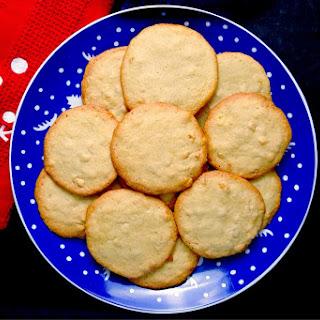 Macadamia Nut Butter Crisps