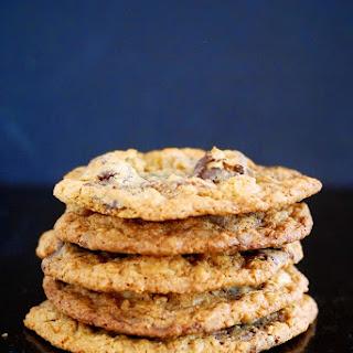 Dark Chocolate Macadamia Nut Oat Cookies