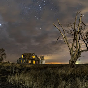 All alone by Jim Talbert - Buildings & Architecture Decaying & Abandoned ( landscapes, scott county, sky, canon 5d mkiv, night, nightsky, stars, house )