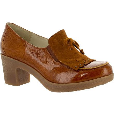 Antonia konjak loaferpumps i lackat skinn och mockadetalj