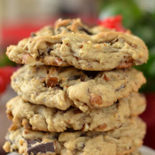 Thick Chocolate Chunk Pecan Cookies
