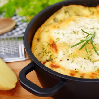 Creamy Mozzarella Potato Bake