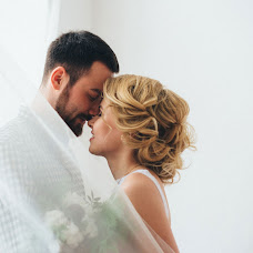 Wedding photographer Darya Yablunovskaya (DarYablunovskaya). Photo of 09.02.2016