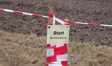 Photo: Der START der Beschleunigungsprüfung beim Klassikenduro in Pfungstadt