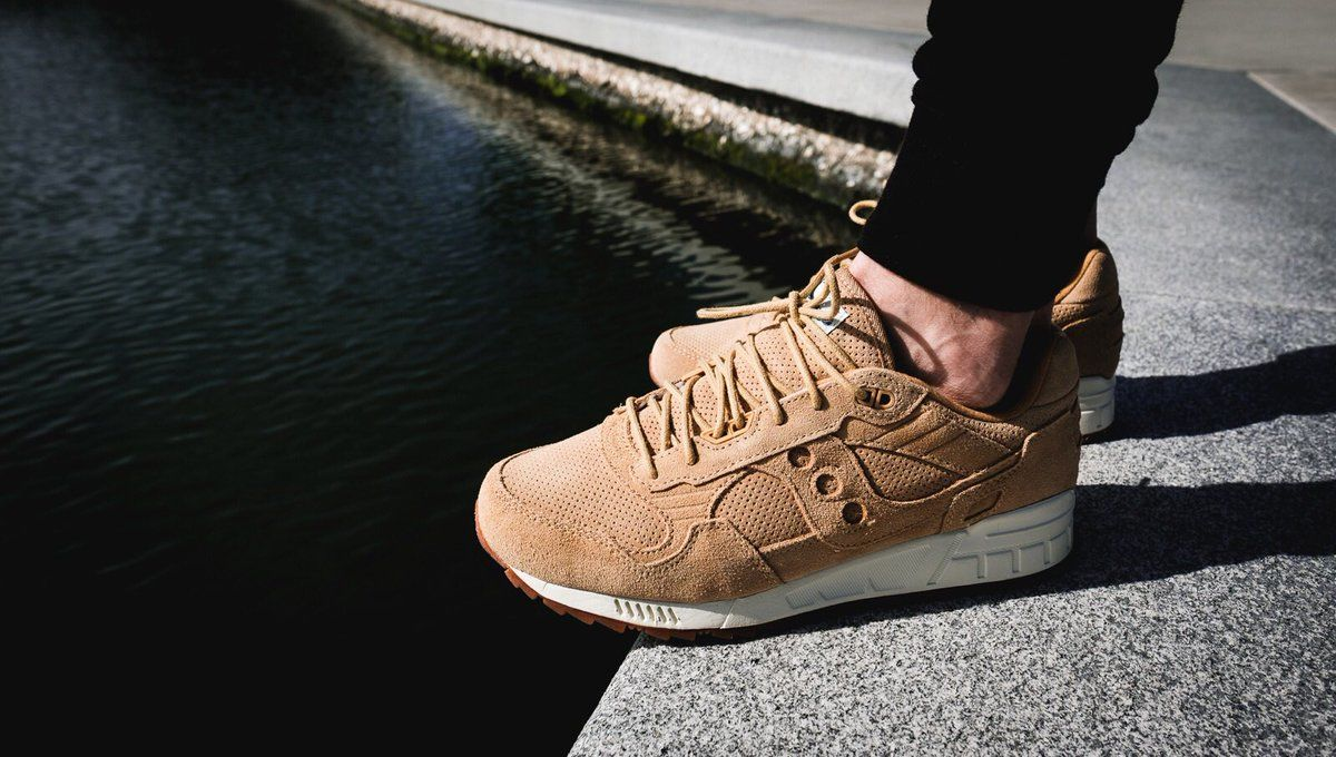 508cba4e769a4 Каждый, кто задумывается о том, чтобы начать заниматься бегом, должен в  первую очередь приобрести качественные кроссовки. Именно такая спортивная  обувь ...