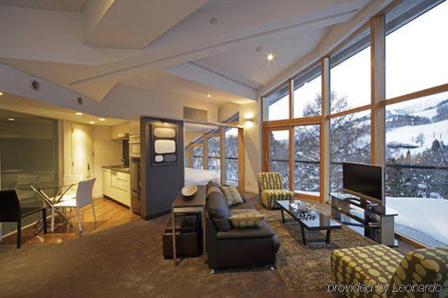 The Ridge Hotel & Apartments