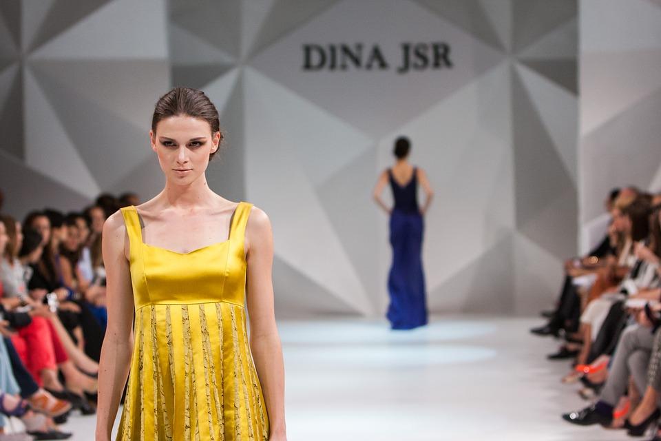 fashion-show-1746581_960_720.jpg