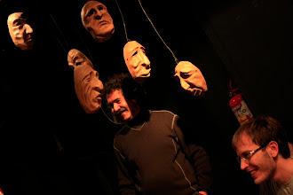 Photo: Charla de Alfredo Iriarte sobre confección de máscaras, exhibición de Marcelo Savignone