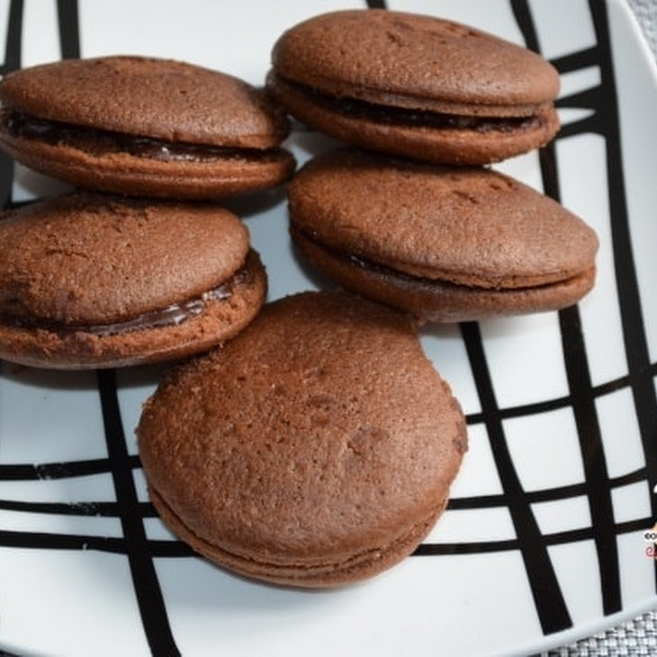 Whoppie Pies with Chocolate and Sparkling Sugar