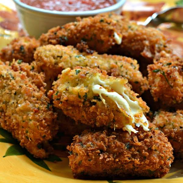 Panko Breaded Mozzarella Sticks Are Deep Fried Crispy Breaded Pieces Of Mozzarella.  They Taste So Much Better Than The Frozen Box Kind And They Have No Preservatives And Artificial Flavors.