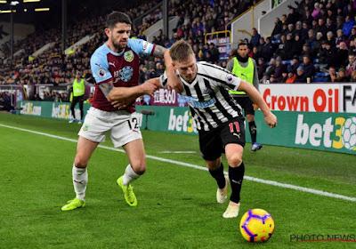 Le joueur de Newcastle Matt Ritchie rate un but tout fait