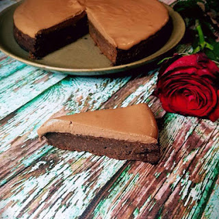 Easy Keto Chocolate Mousse Cake Recipe