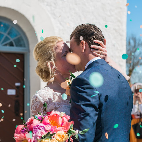 Wedding photographer Anette Bruzan (bruzan). Photo of 04.10.2017
