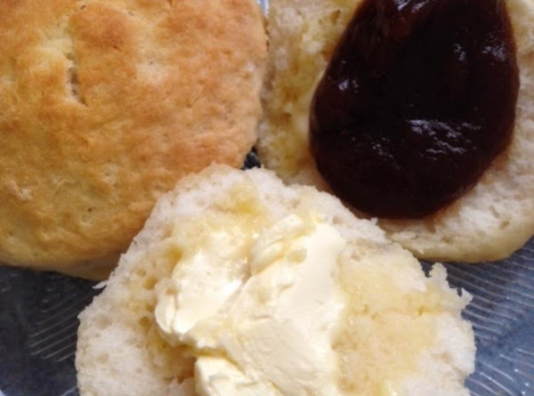 7-up Sour Cream Biscuits Recipe