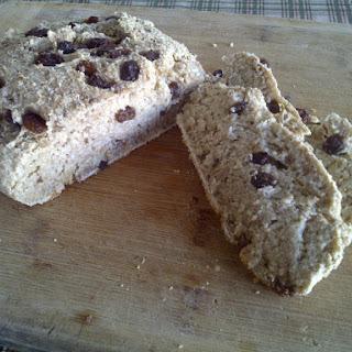 Oatmeal Cinnamon Raisin Quickbread (vegan)