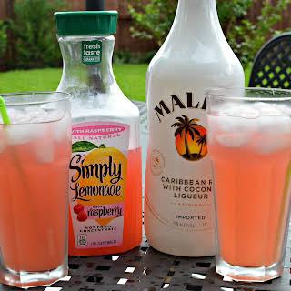 Raspberry Lemonade Summer Cocktail.