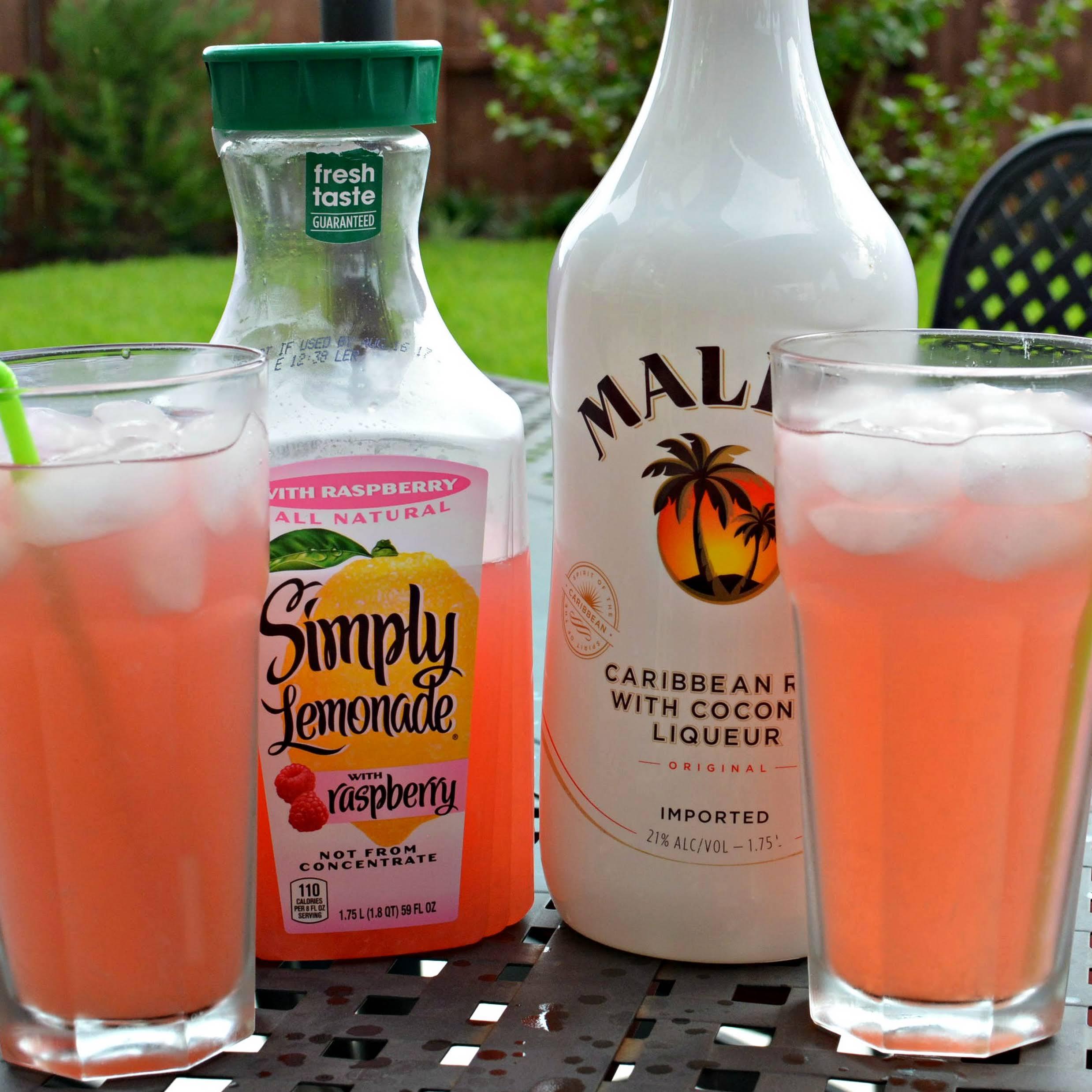 Raspberry Lemonade Summer Cocktail