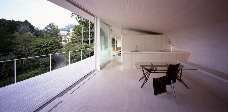 Crescent House - Shigeru Ban Architects
