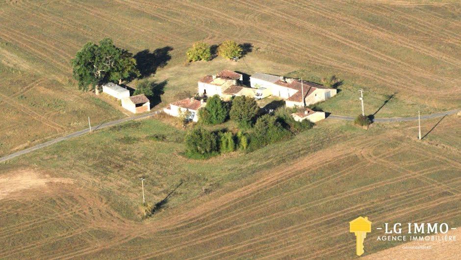 Vente maison 20 pièces 8000 m² à Saint-André-de-Lidon (17260), 285 000 €