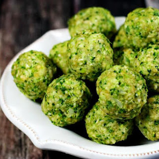 Clean Eating Raw Broccoli Balls (Raw, Vegan, Gluten-Free, Dairy-Free, Egg-Free, Paleo-Friendly) Recipe